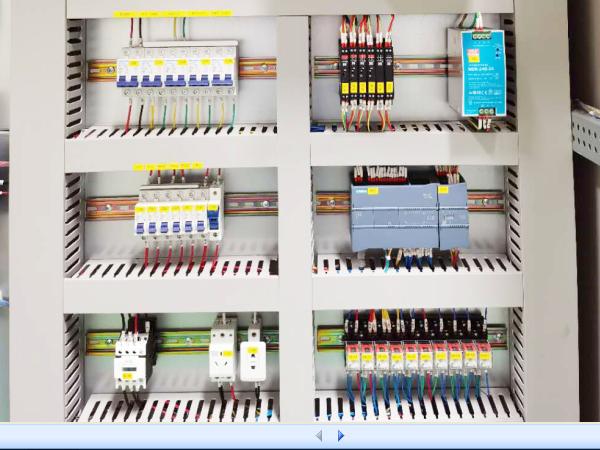 PLC柜细节1.png